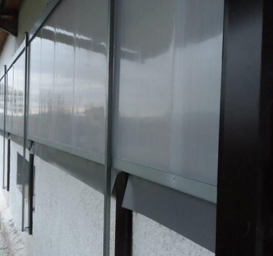 Mbe fabriano finestre estive a ghigliottina in telo trevira o policarbonato - Finestre a ghigliottina ...